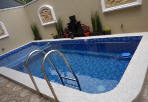 villa batu kolam renang